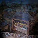 Scéna Poslední večeře obklopená sloupskými barokními reáliemi, pod horou Klíč novoborský kostel.