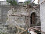 1) Stěna před opravou