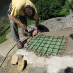 11) Zastřešení spáry - pohledová betonová skořepina