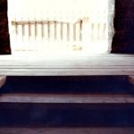 2) Podlaha chodby u sakristie po opravě