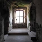 2) Prostřední místnost, podlaha po opravě