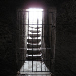 4) Boční vstup protesaný r.1699
