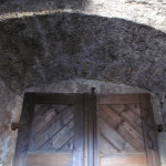 4) Dveřní záklenek po opravě