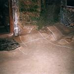 4) Zadní místnost - podlaha před opravou