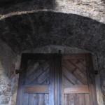 5) Dveřní záklenek po opravě