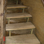 schody pod pokladnou 6