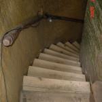 schody pod pokladnou 9
