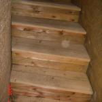 schody pod pokladnou 10