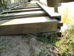 Nové nerezové svorníky a dřevěné trámky