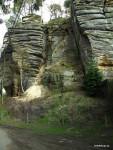 25m3 kamenné suti při úpatí