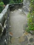 Nový vyspádovaný povrch z malty na bázi románského cementu